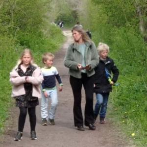 Foto Dorien en kids in het bos